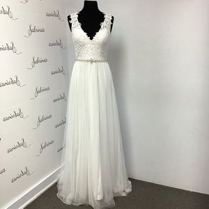 DaVinci 50322 White size 8 wedding gown